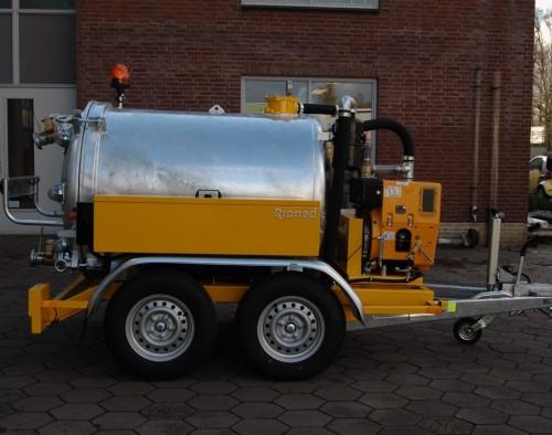 remorques- d aspirations-1500- litres-visuel-2
